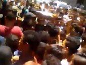 تزاحم المواطنين أمام سينما مترو