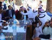 محافظ جنوب سيناء يرتدى الزى البدوى
