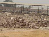 سوق قرية أولاد سلامة بسوهاج تحول إلى مقلب قمامة