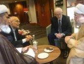 صورة اللقاء الذى تم بين إبراهيم منير وبين مستشار مرشد الثورة الإيرانية