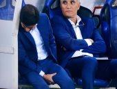 مارسيلينو مدرب فالنسيا ممسكا قدمه