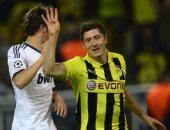 فرحة ليفاندوفسكى بتسجيله 4 أهداف فى ريال مدريد
