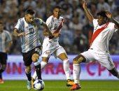 جانب من مباراة الارجنتين وبيرو فى تصفيات كأس العالم 2018