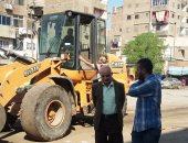 رئيس مدينة شبرا الخيمة يتابع اعمال حملة النظافة