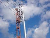 تركيب عامود كهرباء جديد بدلا من المتهالك