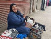 السيدة سعدية سعد البكرى، أشهر ماسحة أحذية بمدينة دمنهور