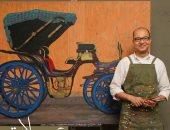 الفنان على حسان بمعرضه عجلات ساكنة