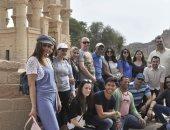جانب من زيارة جلوفر لمعبد فيله بأسوان