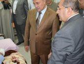 محافظ سوهاج ومدير الأمن خلال الزيارة
