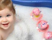 استحمام الطفل- صورة ارشيفية