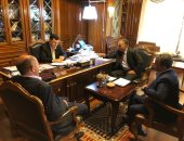 السراج يلتقى قادة عسكريين ليبيين