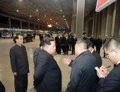 زعيم كوريا الشمالية كيم كونج أون فى محطة قطارات بيونج يانج
