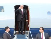 استقبال رسمى لدى وصول حفتر مطار بنينا