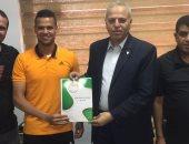 أحمد جمال لاعب اليرموك الاردنى يتعاقد مع الانتاج الحربى