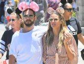 هيدي كلوم وصديقها في Disneyland
