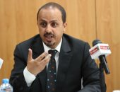 وزير الإعلام اليمنى معمر الأريانى