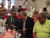 الفنان بيومى فؤاد والفنان أشرف زكى والمنتج مدحت العدل فى حفل الغارمين