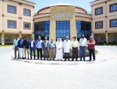 صورة تذكارية للاطباء السعوديين خلال زيارة المستشفي