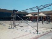 خيمة مكيفة لأسر الحجاج أمام الصالة الموسمية بالمطار