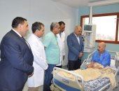 رئيس جامعة كفر الشيخ يزور المرضى