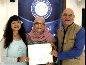 منال العطار مع مادوري كاتاريا Madan Kataria مؤسس يوجا الضحك فى العالم