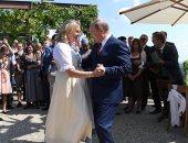 بوتين يرقص مع وزيرة خارجية النمسا