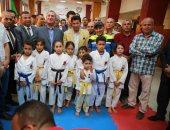 وزير الشباب والرياضة ومحافظ كفر الشيخ خلال عروض الاطفال بالرياض