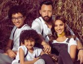 أحمد فهمى وعائلته