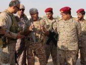 قائد قوات التحالف مع العسكريين على جبهات القتال