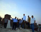المحافظ يتابع أعمال رفع القمامة بمدينة الخصوص