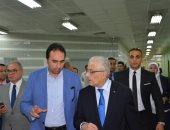 الدكتور طارق شوقى أثناء جولته التفقدية لقاعات تدريب المعلمين