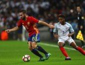 جانب من مباراة الدور الاول بين اسبانيا وانجلترا