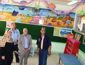 محافظ بورسعيد يتفقد مدارس المحافظة