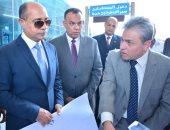 وزير الطيران يتابع خطة التطوير مبانى ومنشآت مطار القاهرة