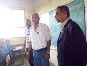 رئيس مدينة الزينية يحيل مدير مدرسة ووكيل شئونها القانونية