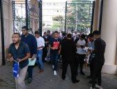 توافد الطلاب بجامعة عين شمس