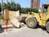 رفع الكتل الخرسانية وفتح شوارع ميدان المطافى فى الإسماعيلية