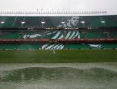 المياه على أرضية ملعب بينيتو فيامارين
