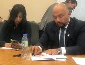 حازم متولى الرئيس التنفيذى لشركة اتصالات مصر والزميلة هبة السيد