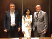 راغدة شلهوب مع علاء الكحكى وعمرو الليثى