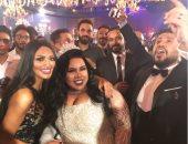 شيماء سيف وعريسها بصحبة سالى عبد السلام