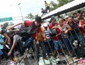 جحافل من سكان هندوراس يقتحمون جواتيمالا
