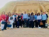 وزير الآثار والسفراء وأعضاء البرلمان داخل معبدى أبو سمبل