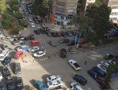 فوضى المرور ، وعدم وجود شرطة لتنظيم حركة المرور