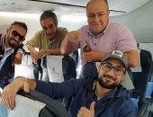 ابن عربى فى الطائرة فى الطريق للقاهرة