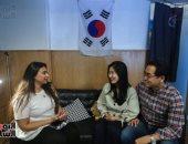 محررة اليوم السابع مع الزوجين الكوريين