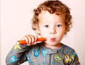 طفل يغسل أسنانه - صورة أرشيفية