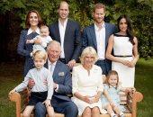الأمير تشارلز بحتفل مع عائلته