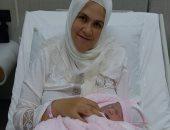 الأم التركية مع رضيعها داخل السجن