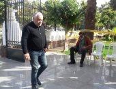 أشرف زكى يحضر جنازة محمود القلعاوي وغياب تام لنجوم الفن